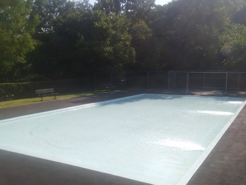 Image of the paddling pool at Westexe Park