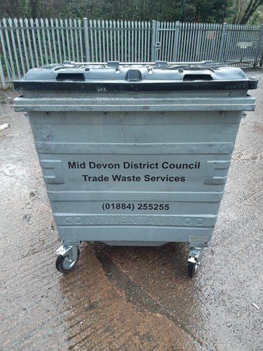 Image of a 1400ltr trade waste bin